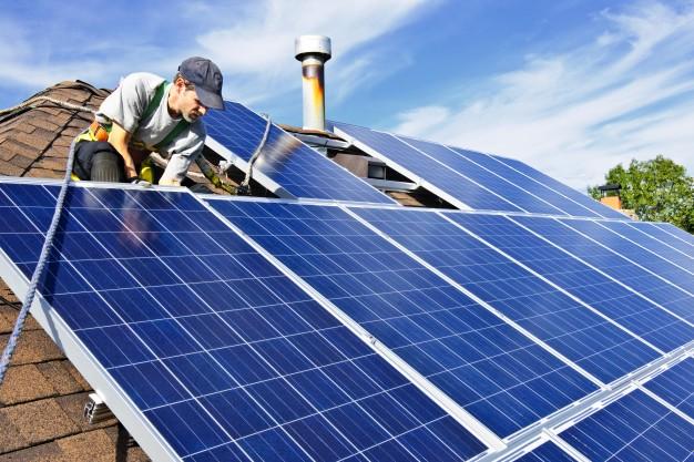sådan-montere-du-solceller